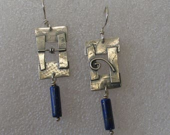 Rectangle sculpturale avec Lapis Sterling boucles d'oreilles