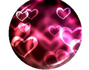 20mm cabochon heart, red/pink background