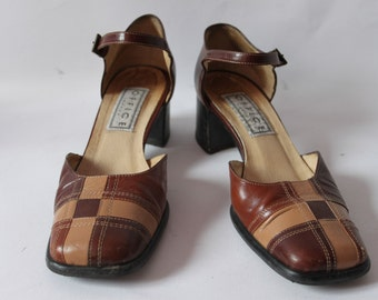 VINTAGE STYLED 40S  show with chunky heel and square toe - Reduced