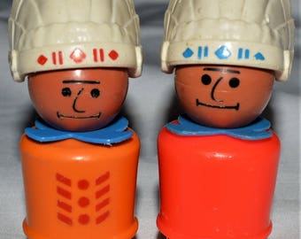 Vintage Fisher Price Little People NATIVE AMERICAN INDIAN Western town figurines