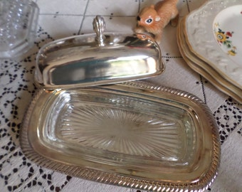 Gorgeous Vintage William Rogers Silverplate Butter Dish/Lid with Glass Insert-One Stick Size