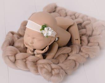 BIG BUMP chunky wool prop blanket - 10 colors woolen blanket, photography props, photo prop,newborn props, bumpy blanket, newborn layering