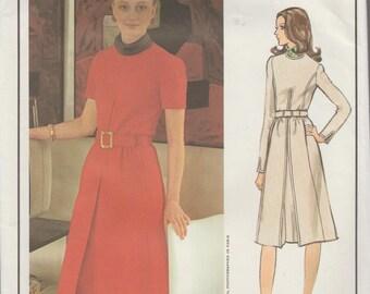 Vogue Paris Original 2622 / Vintage Designer sewing Pattern By Pierre Balmain / Dress / Size 16 Bust 38