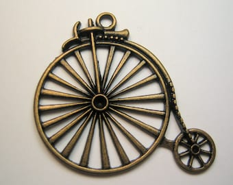 High Wheeler Bike Finding Charm Pendant Bronze / Antiqued Brass Color Quantity 1