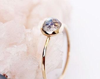 Rose cut bague labradorite de labradorite 14k bague en or, or, rose anneau de coupe de pierres précieuses, bague solitaire, bague empilable, anneau de pile