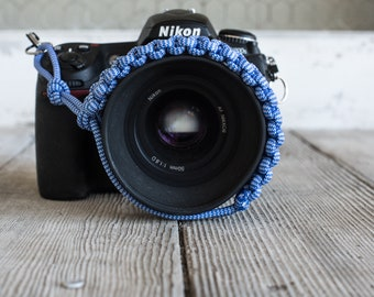 Paracord Camera Wrist Strap (dark blue/white)