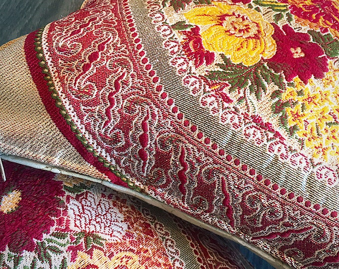 Vintage rocade pillows - boho / granny-chic / Eastern style