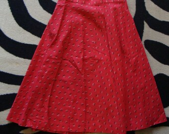 RED calico COTTON SKIRT vintage floral knee skirt summer S 28 waist (B6)