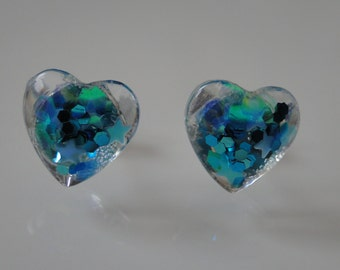Mini-studs in heart shape with light blue glitter and stars