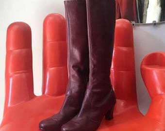 Vintage Women's Ox Blood Leather Knee High Boots. Seventies 1970s Size 8