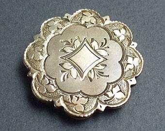 14 K engraved brooch/pendant