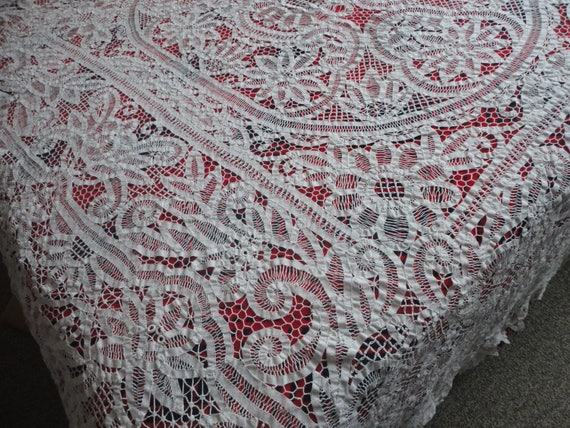 White Italian Lace Large Vintage Tablecloth