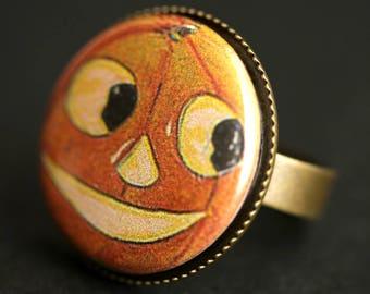 Smiling Pumpkin Ring. Halloween Ring. Vintage Postcard Button Ring. Jack o'Lantern Ring. Adjustable Ring. Bronze Ring. Halloween Jewelry.