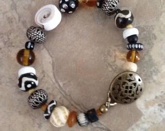 Vintage Trade Bead Bracelet, African Bracelet, Black and white Boho Bracelet, Ethnic Bracelet, Bone, Shell, Milliefiore