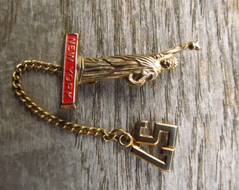 Vintage 1950's Statue of Liberty Pin - New York Statue of Liberty Class Year Pin