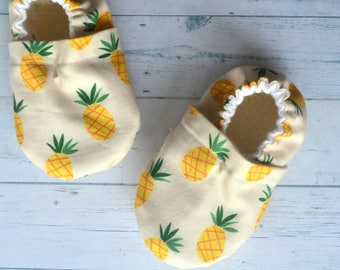 pineapple baby shoes pineapple party shoes yellow kids shoes pineapple booties neutral baby slippers pineapple baby shower fruit baby moccs