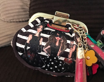 Trendy gal wrist purse