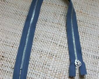 Size 47cm, grey zipper
