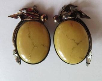 Clip On Earrings//Vintage Yellow Earrings//Large Clip-on Earrings//vintage Yellow Stone
