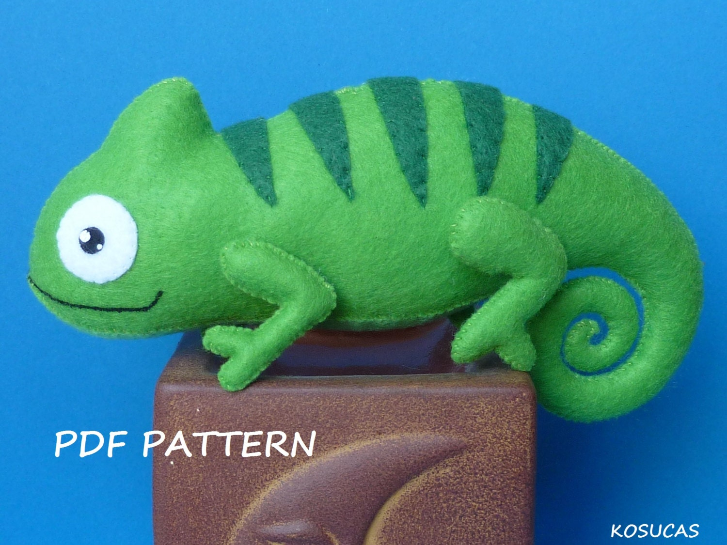 PDF sewing pattern to make a felt chameleon from Kosucas on Etsy Studio