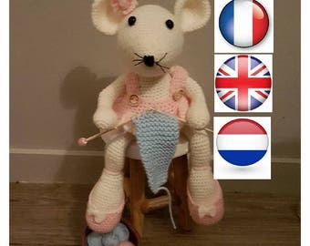 """French, English and Dutch PDF pattern tutorial """"Knitter mouse"""" crocheted"""