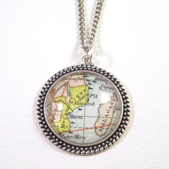 Map necklaces - Africa variations 30 mm