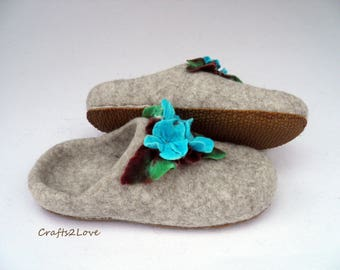 Felted slippers Womens felt slippers with soles Warm bedroom slide slippers Floral gift to yourself or your loved one Made to order