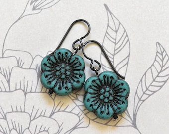 Flower Earrings - Gift for Her - Blue Earrings - Hypoallergenic - Floral Earrings - Niobium Earrings