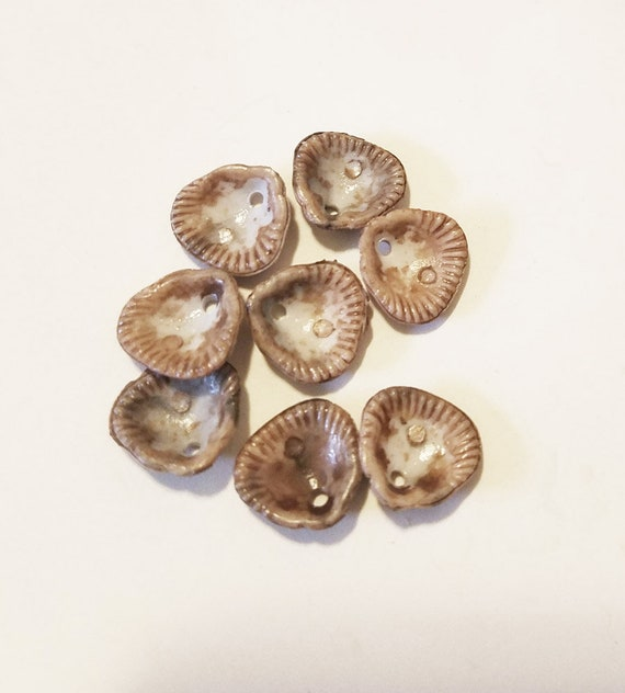 8 acrylic clam shell charms seashell charms pendants 10mm plastic beige nautical beach jewelry making supply