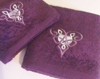 Embroidered Celtic Hearts on Luxury Hand and Bath Towels