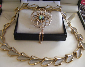 Elegant Vintage Well Made Necklace Plus Pretty Brooch