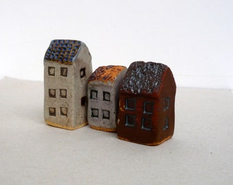 Ceramic Sculpture, Miniature Houses   Instant Village  Miniature Collection