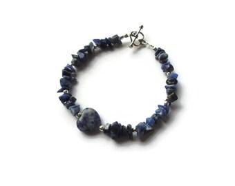Blue Sodalite Bracelet, Heart Bracelet, Simple Gemstone Jewelry, Blue Love Jewellery, Blue and White Gemstone Chips, Stacking Bracelet