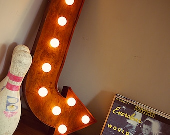 BADLANDS Marquee Arrow Relic (Rusted // Patina // Fun Fair Sign & Light // Vintage themed // Wedding // Distressed // Home lighting)