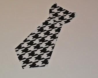 Houndstooth Print Iron On Tie Applique