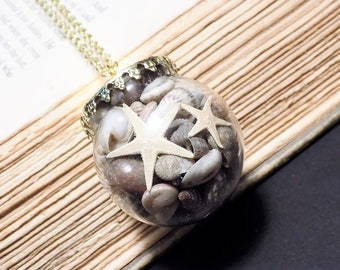 Seashell Globe Necklace