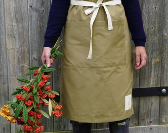 Ladies Gardening Apron in Storecoat Brown