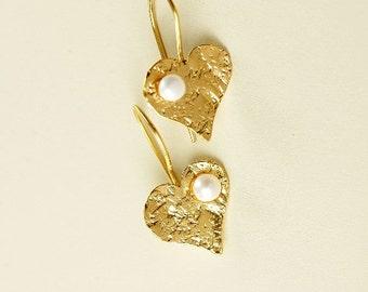 gold heart earrings, earrings with pearl, love earring, valentine earring, romantic heart, anniversary gift, minimal earring, silver earring