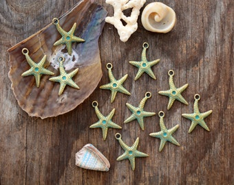 Sea Star: Green Patina over Brass Starfish Pendant, 25x30mm, 2 pieces / Greek Metal, Star Fish Charm, Jewelry Making Supplies