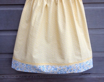 Light yellow skirt with blue and yellow flowers trim / Girls summer skirt / Girls bathing suit cover up / Yellow patchwork skirt / Size 4-6