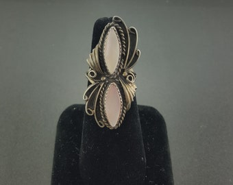 Vintage Navajo Mother of Pearl ring - sterling silver - size 7