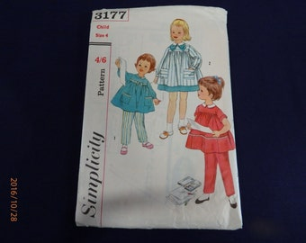 Simplicity Vintage Sewing Pattern  3177 Child Size 4