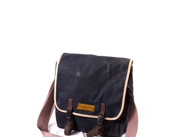 Commuter Pannier, waxed canvas bicycle bag -- blue