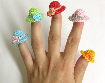 Crochet hat appliques, 5 pc., tiny colorful charms, dollhouse accessories, 1cm  x 2,5 cm (1/2 x 1 inch)