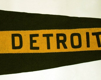 Genuine Vintage Early 1900s Swallowtail Felt Pennant Detroit -- Free US Shipping.