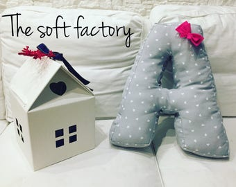 Pillow name letter with bow
