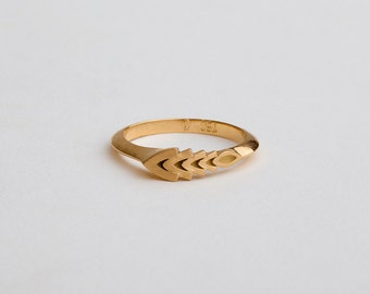 Wheat Ring, Dainty Geometric Wedding Ring 18k Yellow Rose Gold, Unique Wedding Band, Asymmetrical Ring Minimal Ring, Berman Jewellers