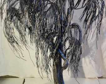 Wrought iron sculpture: weeping willow