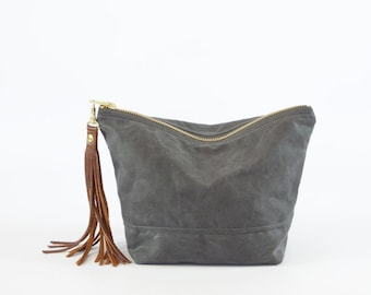 Waxed Canvas Pouch - large zipped waterproof cosmetic bag - wax diaper pouch - Toilet bag - Cosmetic Bag - Dopp kit