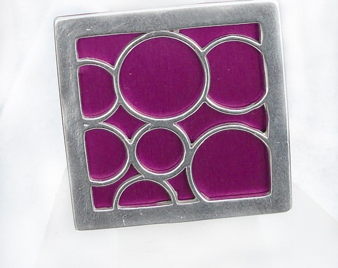 Super Size square bubble ring in fuchsia